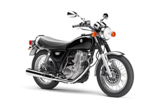 A LEGENDARY CLASSIC THAT'S A KICK TO RIDE – The 2017 SR400 is a legendary classic that's a kick to ride. With retro styling and one of the best performing 399cc air cooled engines.